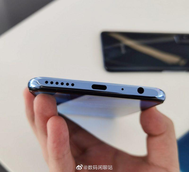 Honor X10 Maxissa on USB-C-liitäntä...