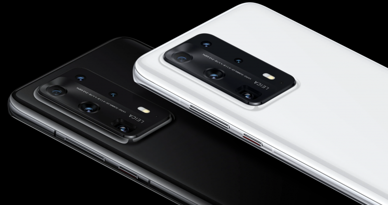 P40 Pro+:n kaksi värivaihtoehtoa, Ceramic White ja Ceramic Black.