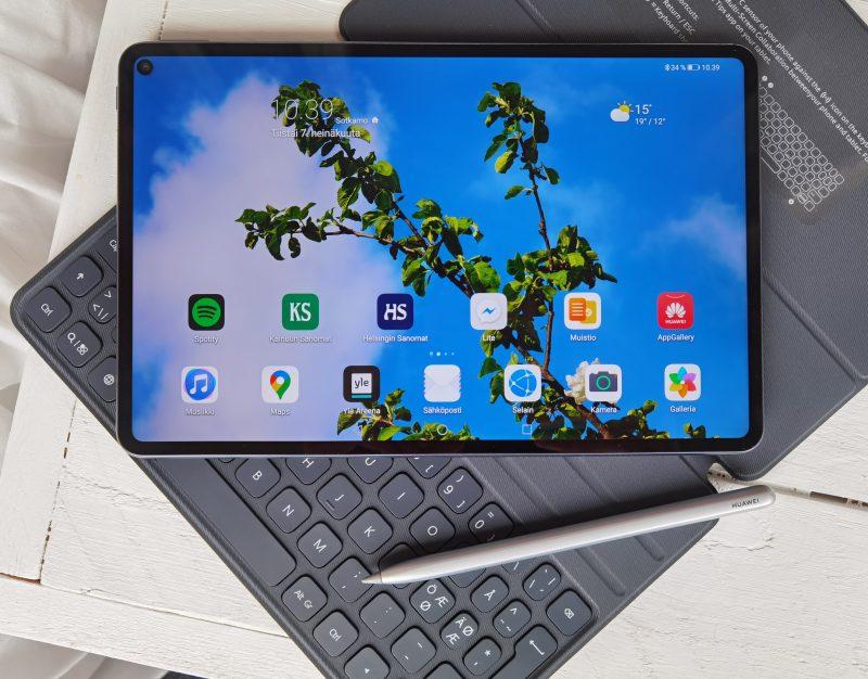 Huawei MatePad Pro erikseen ostettavine lisäosineen tarjoaa monipuolisen tablettikokemuksen.
