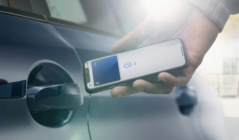 Applen CarKey toimii aluksi NFC-lähiyhteydellä.
