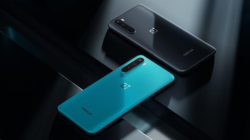OnePlus Nordista on kaksi värivaihtoehtoa, Sininen marmori ja Harmaa helmi.