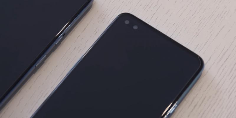 OnePlus Nordin kaksi etukameraa.