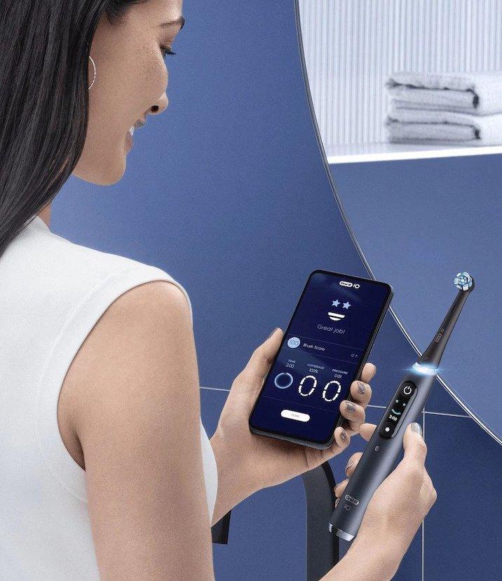 Oral-B iO -sarjan hammasharjat yhdistyvät älypuhelinsovelluksen kanssa.