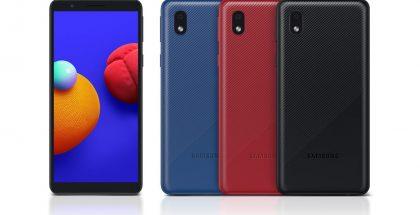 Samsung Galaxy A01 Core eri väreissä.
