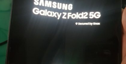Samsung Galaxy Z Fold2 5G uudessa vuotokuvassa.