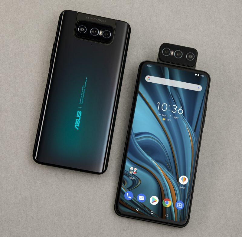 ZenFone 7 -puhelinten laajasti etupuolen kattava näyttö on loveton ja reiätön, kiitos kääntyvän kameraratkaisun.