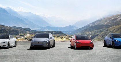 Teslan automallistoa.