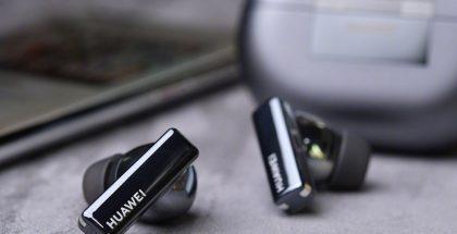 Huawei FreeBuds Pro -kuulokkeet vuotaneessa live-kuvassa.