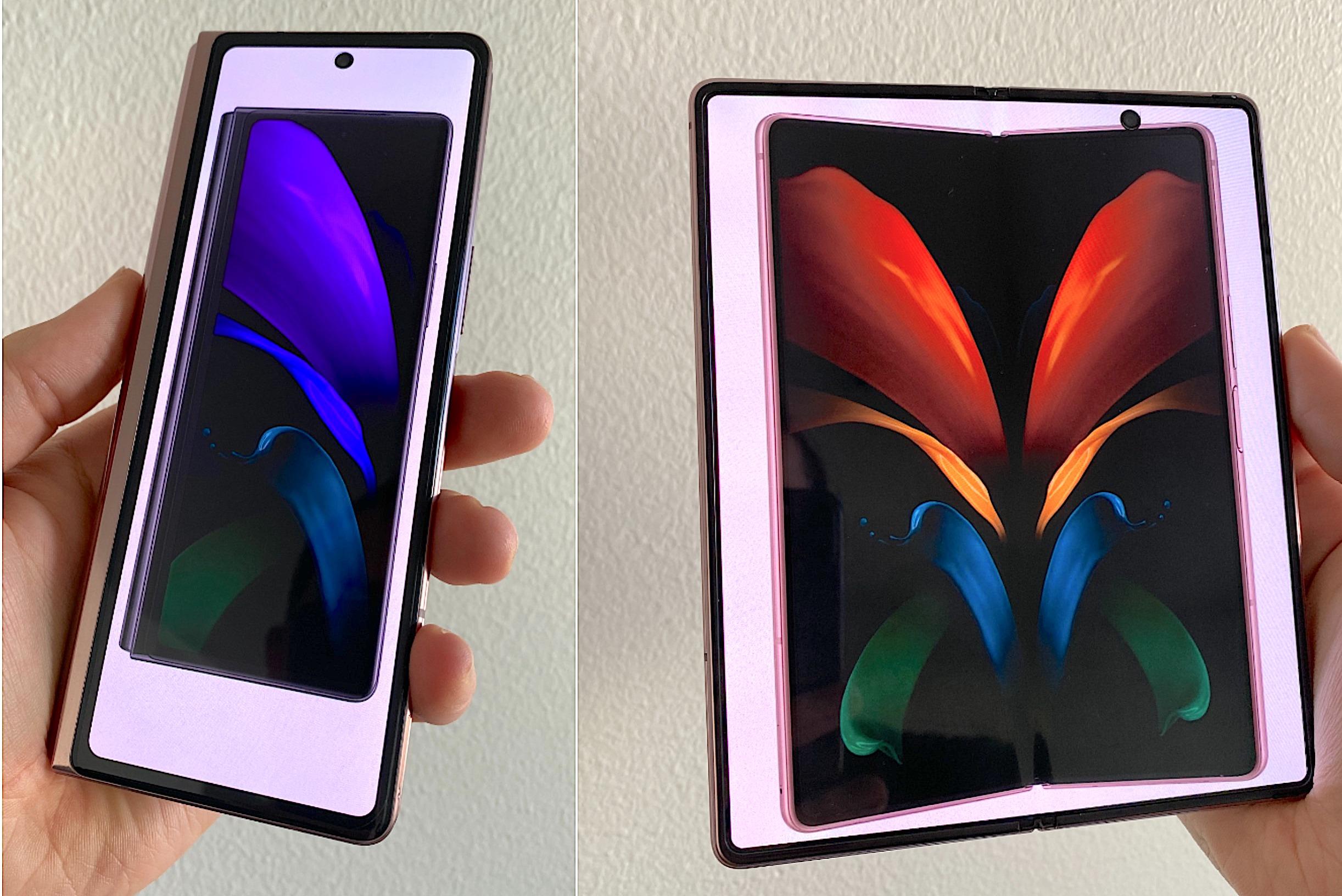 Samsung Galaxy Z Fold2. Kannessa 4,6 tuuman ja 25;9-kuvasuhteen näyttö, sisällä auki taittuva 7,6 tuuman ja 22,5:18-kuvasuhteen näyttö.