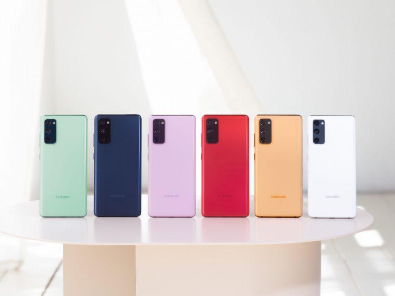 Galaxy S20 FE:n värivaihtoehdot.