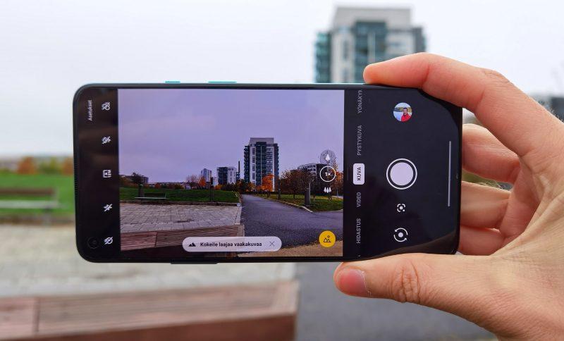 OnePlus 8T:n kamerassa on monipuolisesti kuvaustiloja.