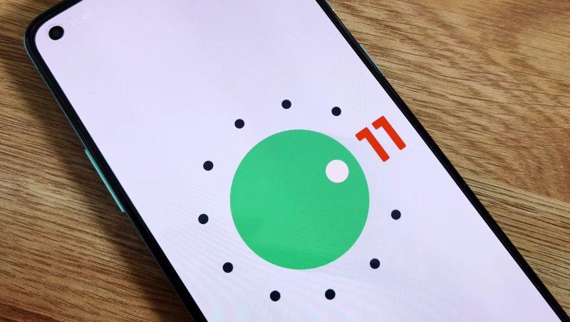 Android 11 on OnePlus 8T:ssä esiasennettuna