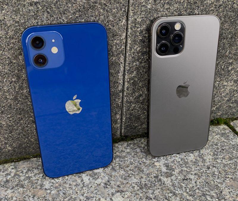 iPhone 12 eri väreissään on yhä kiiltäväpintainen, Pro-mallit puolestaan mattapintaisia.