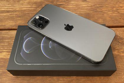 Grafiitti iPhone 12 Pro.