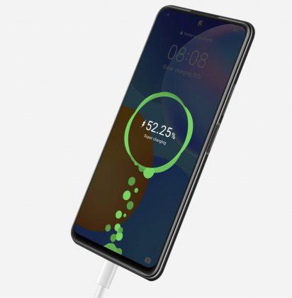 Suuri 5 000 milliampeeritunnin akku täyttyy tehokkaasti 22,5 watin Huawei SuperCharge -pikalatauksella.