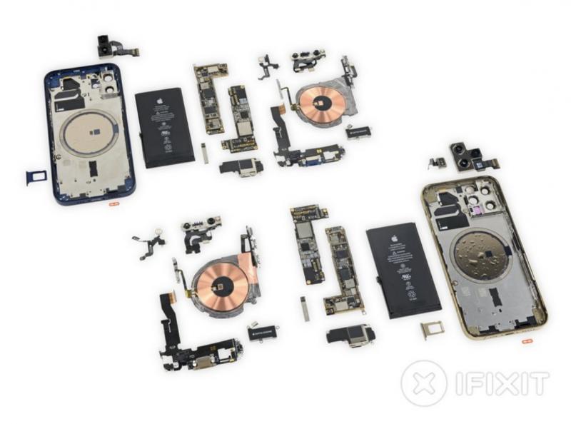 iPhone 12 ja iPhone 12 Pro purettuna. Kuva: iFixit.