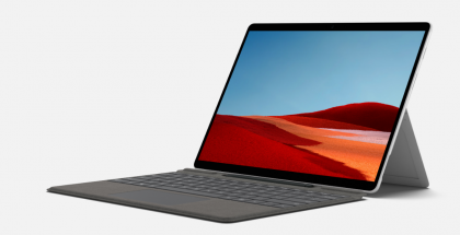 Microsoft Surface Pro X on yksi ARM-perustaisia Windows 10 -laitteita, ja on varustettu Qualcommin ja Microsoftin yhdessä kehittämällä SQ2-piirillä.