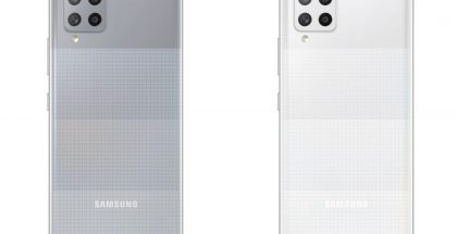 Galaxy A42 5G harmaana ja valkoisena.