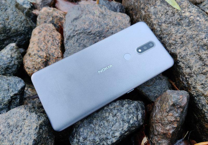 Nokia 2.4:llä on omat vahvuutensa.