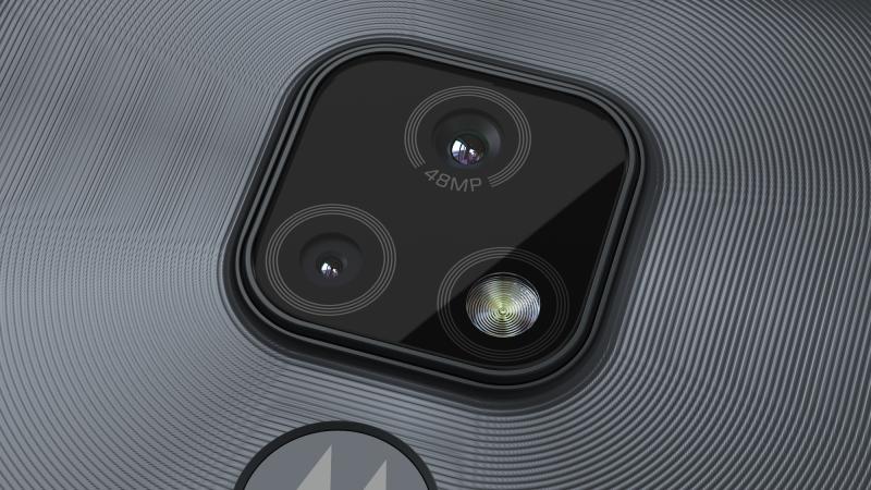 Moto E7:n takakamerat.