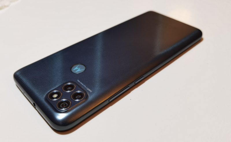 Moto G9 Powerin käyttökokemus on sujuvan mukava.