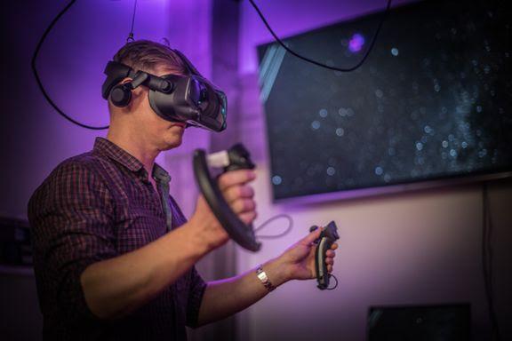 Virtuaalitodellisuus voi olla osa etäläsnäoloa. Kuva: Aalto Studios.