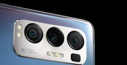 Kuvassa Oppo Reno5 Pro+:n kamerat.