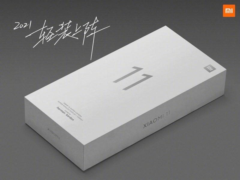 Xiaomin Mi 11:n myyntipakkaus on aiempaa pienikokoisempi, koska sen sisällä ei mukana tule enää laturia.