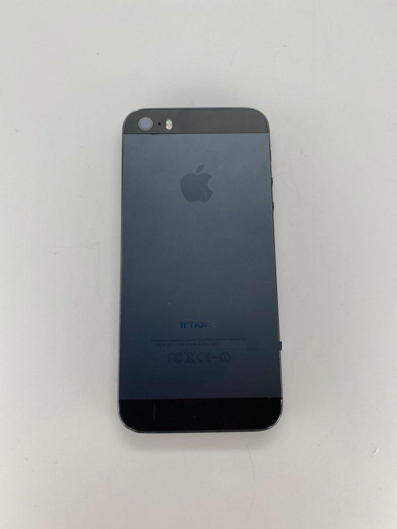 Paljastunut kuva iPhone 5s -prototyypistä. Tällaisena värinä iPhone 5s:ää ei ikinä nähty markkinoilla.