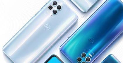Motorola edge s:ssä ei nimestään huolimatta ole sivuille kaartuvaa vaan tasainen näyttöpaneeli.