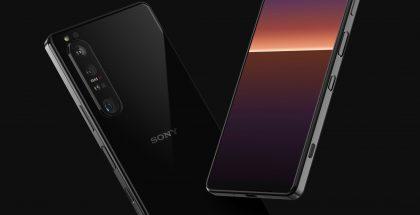 Sony Xperia 1 III:ssa on edeltäjää pienemmät näytönreunukset ja tasaiset kyljet. Kuva: OnLeaks / Voice.
