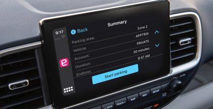 EasyPark-sovellus on jatkossa käytettävissä Applen CarPlayn kautta.