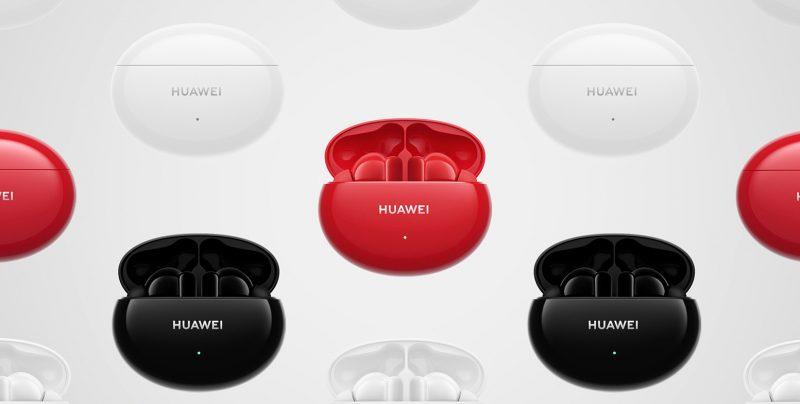Huawei FreeBuds 4i -latauskotelo eri väreissä.