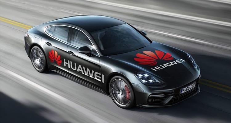 Huawei esitteli vuonna 2017, kuinka Mate 10 Pro -älypuhelin ohjasi Porschea.