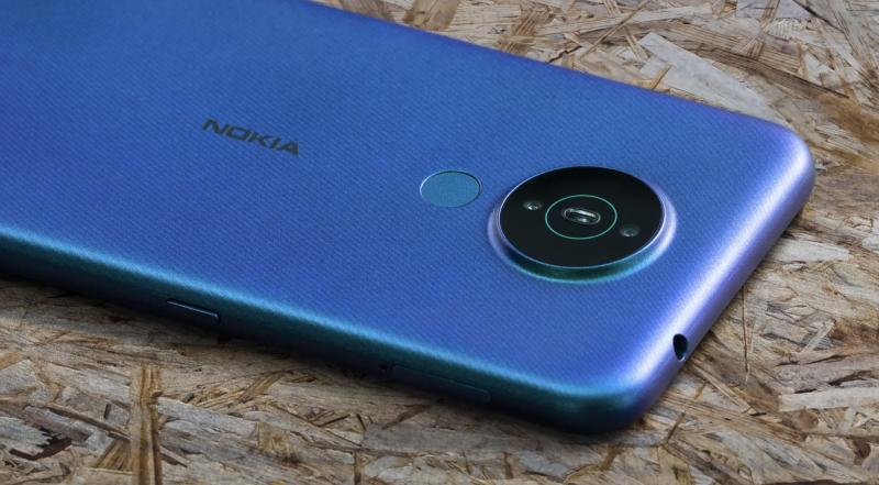Nokia 1.4:ssä on kaksi takakameraa.