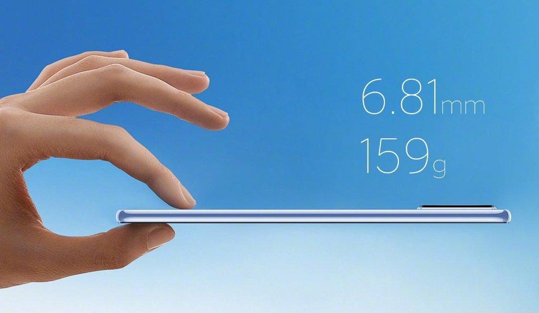 Mi 11 Lite 5G on vain 6,81 millimetrin paksuinen ja painaa 159 grammaa.