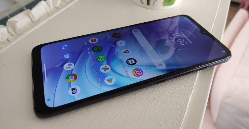 Moto G50 on hyvä älypuhelin, mutta mainioita haastajiakin riittää.