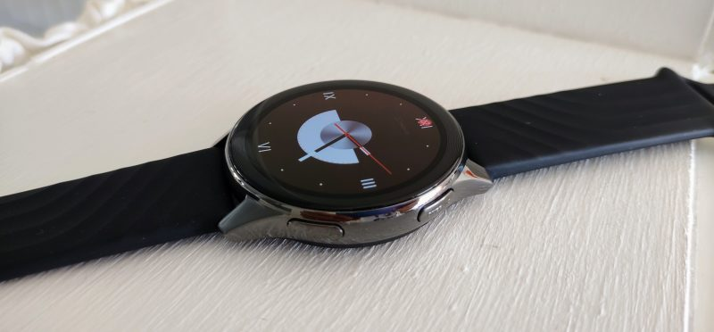 OnePlus Watch on suunniteltu urheilulliseen elämäntapaan.