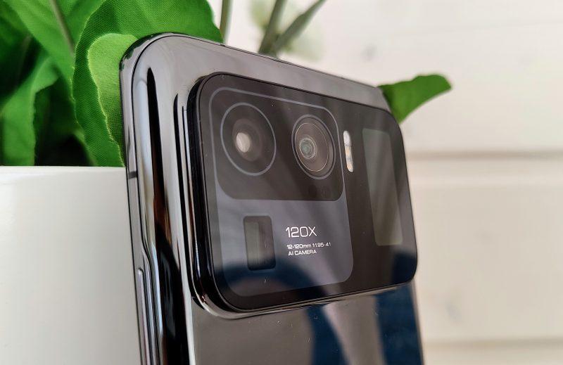 Jykevä takakamera tarjoaa älypuhelinten parasta kuvanlaatua.