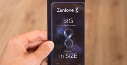 Asus ZenFone 8 -kutsu. Kuva: Phone Arena.
