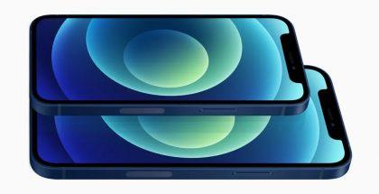 iPhone 12 -puhelimissa millimetriaaltotaajuuksien tuki näkyy antenniaukkona puhelinten oikealla kyljellä. Kuvassa iPhone 12 mini ja iPhone 12.