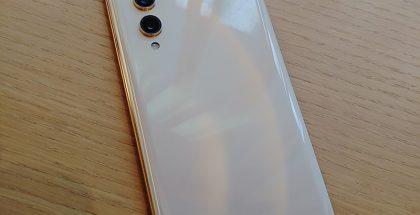 LG:n Rainbow-koodinimellinen huippupuhelin, jonka mallinimeksi oli tulossa LG V70.