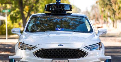 Lyftin itseajamisen teknologian testaamisessa käyttämä Ford.