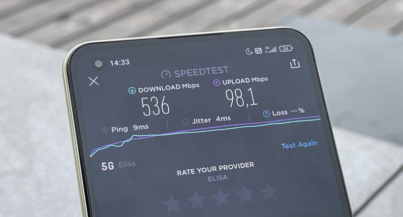 Tyypilliset nopeudet 5G-verkoissa ovat muutamia satoja megabittejä sekunnissa.