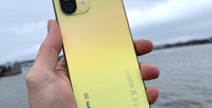 Mi 11 Lite 5G on Xiaomin vuoden 2021 uusi vaihtoehto keskihintaisten 5G-älypuhelinten kilpaan.