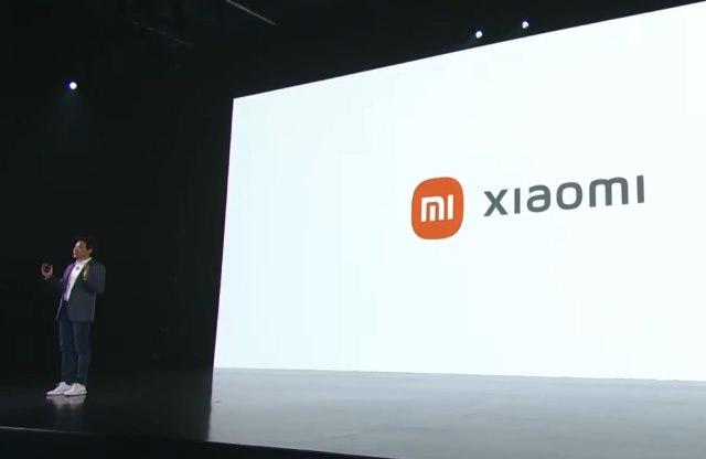 Xiaomi-logo ja Lei Jun.