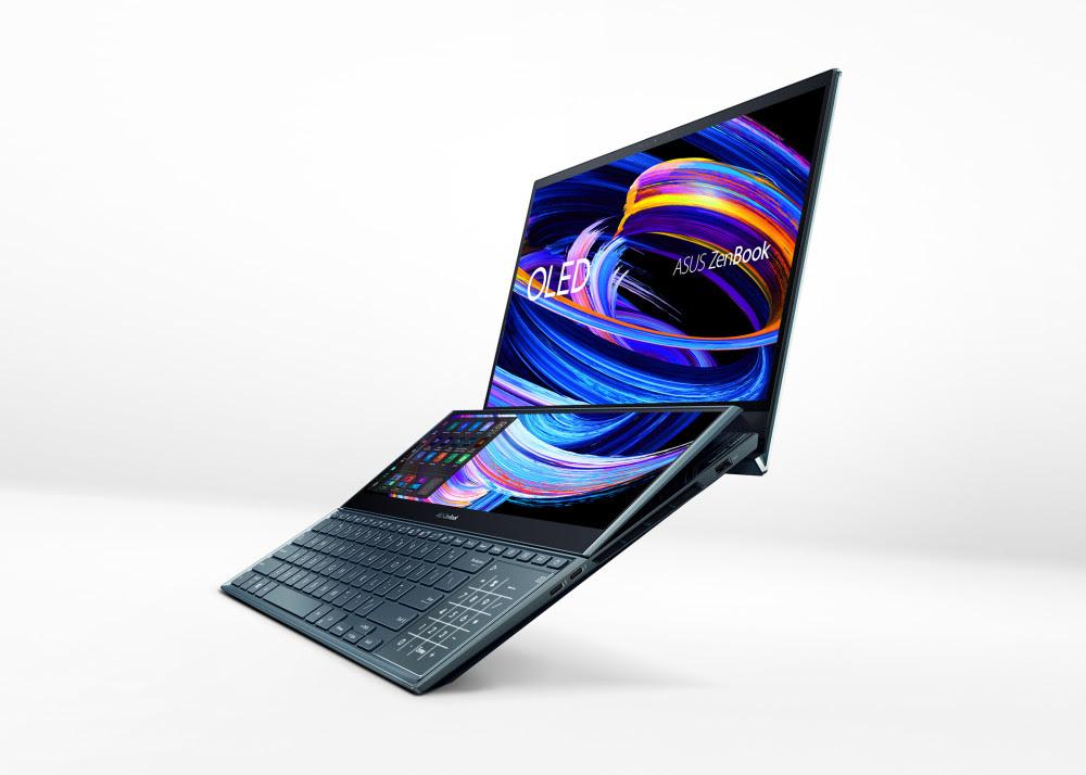 Asus ZenBook Pro Duo 15 OLED on varustettu toisella näytöllä näppäimistön yläpuolella.