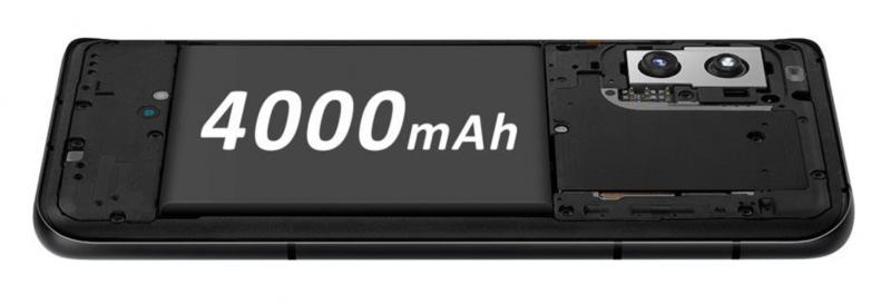 Kurkistus ZenFone 8:n sisälle, josta löytyy 4 000 milliampeeritunnin akku.