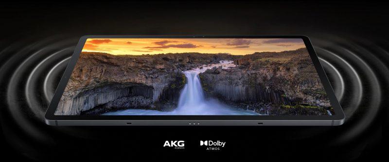 Galaxy Tab S7 FE:ssä on AKG-stereokaiuttimet.