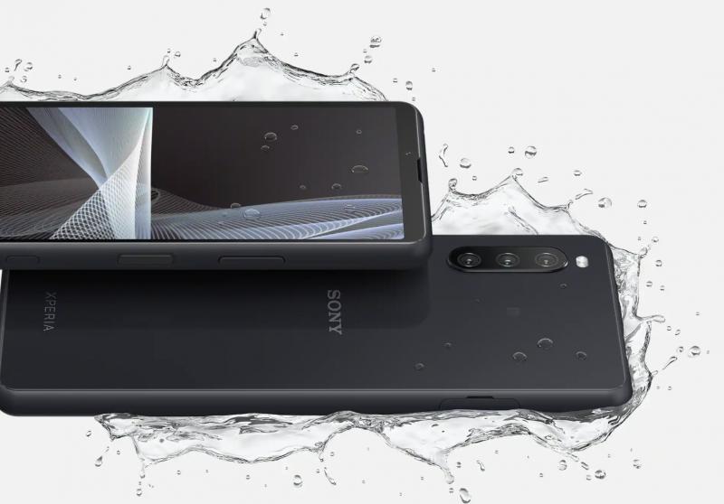 Sony Xperia 10 III on myös vedenkestävä.